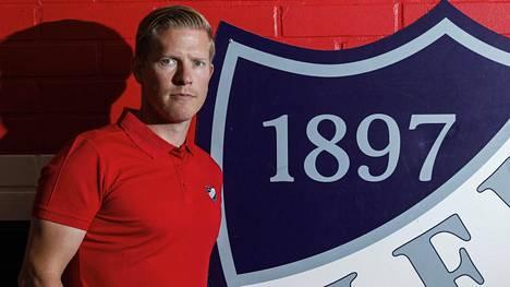 Tobias Salmelainen aloitti HIFK:n urheilujohtajana syksyllä 2017.
