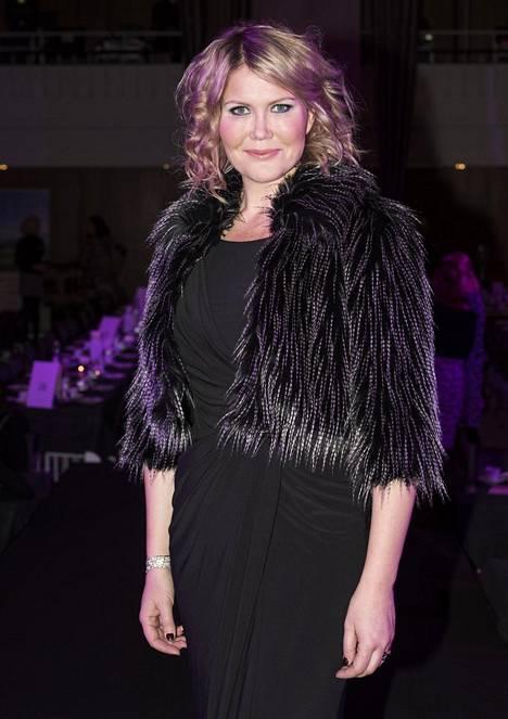 Sanna Kiiski tuli tunnetuksi Huomenta Suomi -ohjelman juontajana. Hän on työskennellyt myös radiojuontajana, muun muassa Radio Novalla.