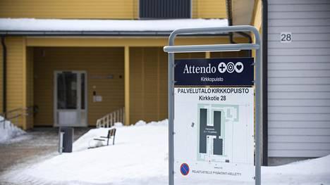 Valvira ilmoitti perjantaina, että se on keskeyttänyt Attendo Kirkkopuiston hoivakodin toistaiseksi. Vastuu on siirtynyt Oulunkaaren kuntayhtymälle.