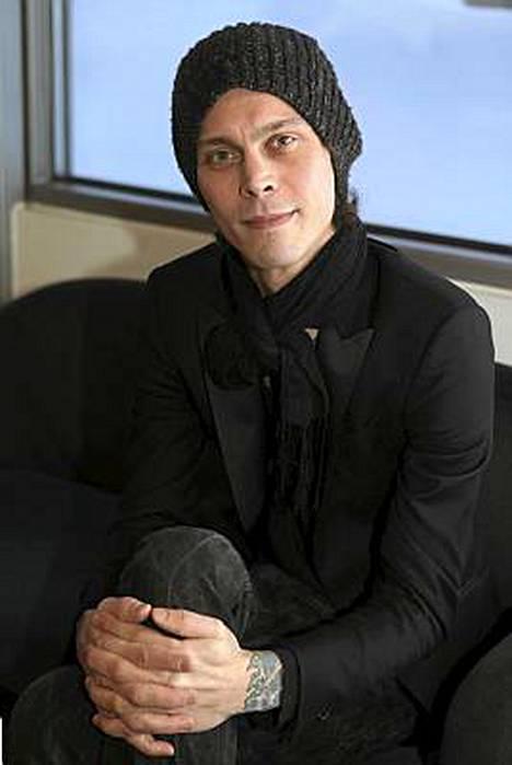 Ville Valon bändi pärjää ulkomailla.