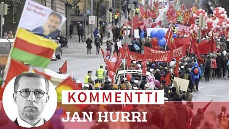 Helsingin työväen ja vasemmiston vappukulkue Helsingissä 1.5.2018.