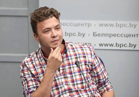 Vangittu Raman Pratasevitsh esiintyi Valko-Venäjällä lehdistötilaisuudessa kesäkuun puolivälissä. Hän oli kuin täysin mielensä muuttanut mies.