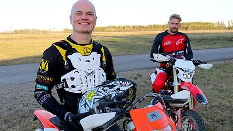 Joel Harkimo ja Niklas Räsänen uhmaavat vaaroja – starttaavat kylmiltään vaativaan prätkäkisaan