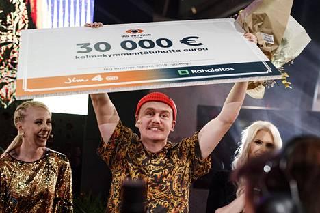 Big Broither 2019 -voittaja Kristian tuuletti sunnuntai-iltana 30000 euron palkintopottiaan.
