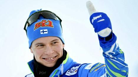 Matti Heikkinen hiihti viestin Suomen mestariksi.