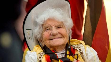 Oma Ella, 104 vuotta.