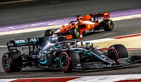 Ferrarin Sebastian Vettel jäi parempiensa varjoon Bahrainissa.
