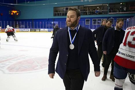 Jere Härkälä luotsasi viime kaudella Hermeksen Mestiksen hopealle.