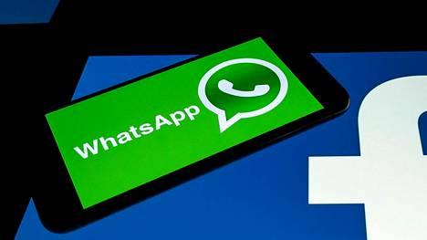 Facebookin omistuksessa olevan WhatsAppin yksityisyys arveluttaa monia.