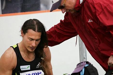 Juhani Evilä tunnetaan myös poikansa, SE-mies Tommi Evilän valmentajana.