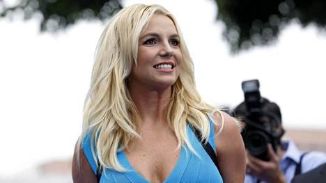 Britney Spears tahtoo kolmatta kertaa naimisiin.