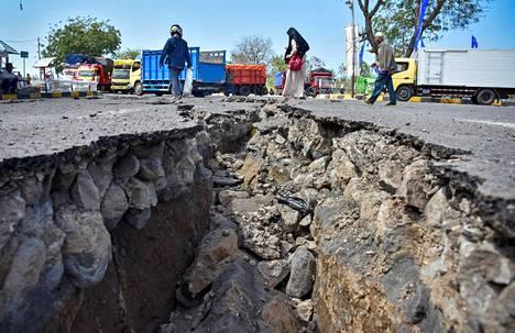 Maanjäristys teki reilu viikko sitten tuhojaan Indonesiassa Lombokin saarella sijaitsevassa Kayangan Portissa. Samalla saarella on ollut hiljattain useita voimakkaita järistyksiä.