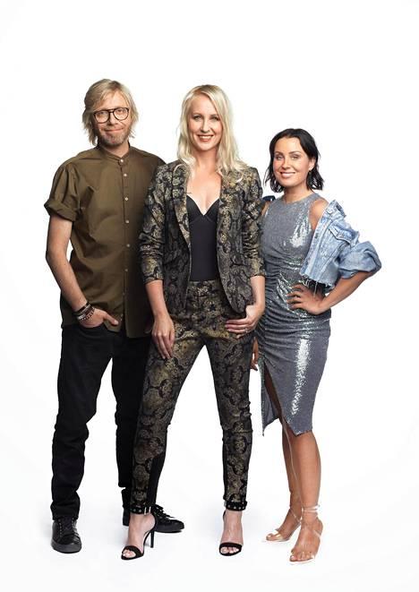 Uutta Big Brother -kautta juontavat Kimmo Vehviläinen, Elina Kottonen ja Alma Hätönen.