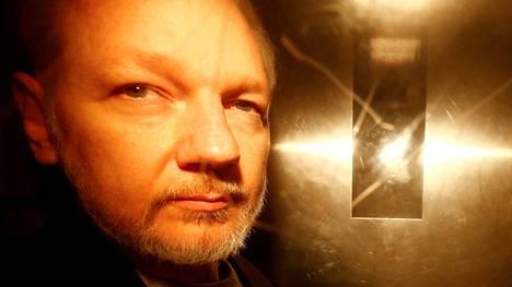 Australialainen Assange istuu tällä hetkellä vuoden tuomiota ehdonalaisehtojen rikkomisesta Britanniassa.