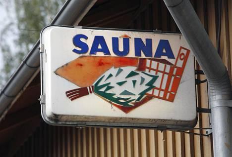 Rajaportin sauna Tampereella on Suomen vanhin, edelleen toiminnassa oleva yleinen sauna.