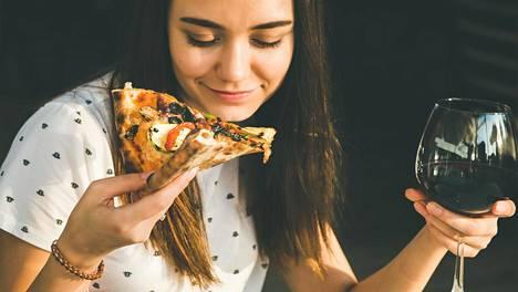 Houkutukset, kuten pikaruoka, ovat petollisen nopeasti ja helposti saatavilla.