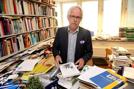 Professori Jukka Kekkonen.