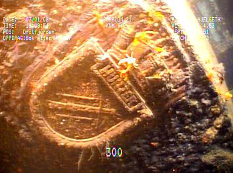 Toisessa maailmansodassa uponnut sotalaiva makaa 305 metrin syvyydessä vuonon pohjalla.