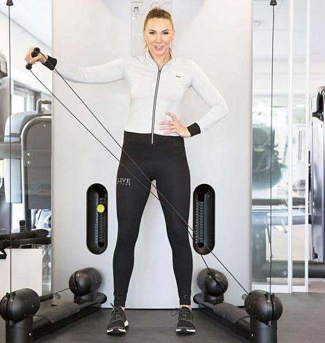 Vipunosto harjoittaa olkapään lihaksia.