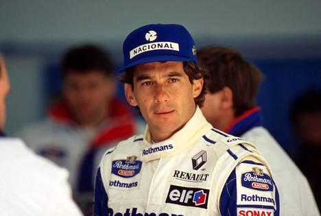Ayrton Senna Williams-tallin ajohaalareissa vuonna 1994.