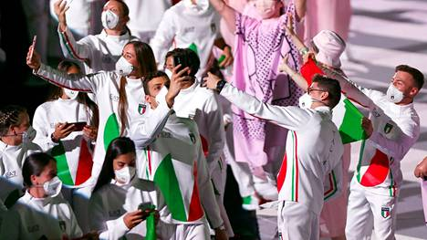 Italian avajaisasuista on riittänyt puhetta.