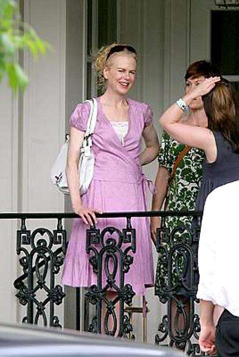 Raskaana olevan Nicole Kidmanin laihuus herättää taas huomiota.