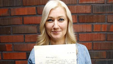 Maria Guzenina löysi sukunsa kirjeenvaihtoa isoäitinsä jäämistöstä vuosi sitten.