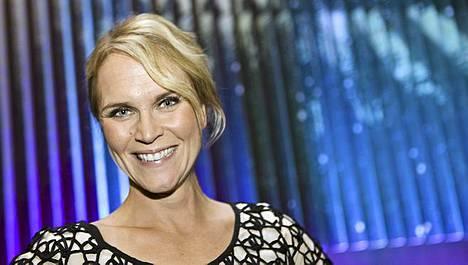 Kuorosodan juontaja Kristiina Komulaisen mukaan ohjelman aikana on syntynyt myös uusia pariskuntia.