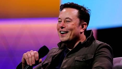 –Spekulaatiota kommentoidakseni, Tesla ei ole myynyt yhtään bitcoinia, Elon Musk sanoi Twitterissä tänä aamuna.