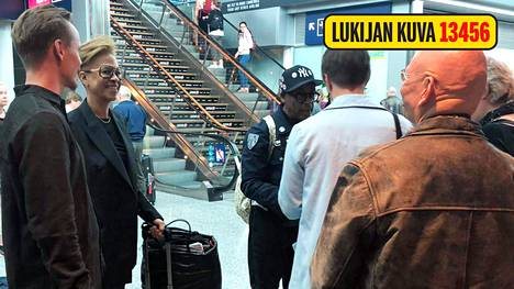 Ilta-Sanomien lukija oli paikalla, kun Spike Lee saapui Helsinkiin. Jasper Pääkkönen oli ottamassa ystäväänsä vastaan.