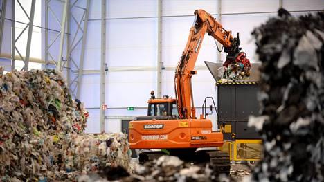 Ekokemin Kiertotalouskylä avattiin Riihimäellä 20. kesäkuuta 2016. Kuvassa muovijalostamo.
