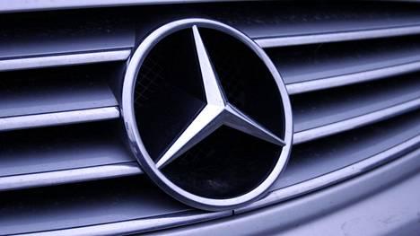 Mercedes-Benz haluaa pysyä turvallisuusvarustelun kärkikahinoissa.