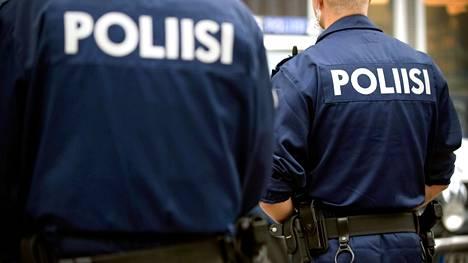 Poliisipartio meni tavalliselle kotihälytyskeikalle, mutta joutuikin hengenvaaraan.