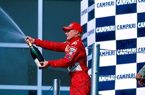 Mika Salo antoi palaa Hockenheimin podiumilla.