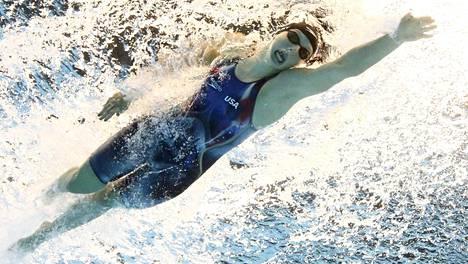 Mestariuimari Ledecky murskasi ammattilaisdebyytissään 1 500 metrin maailmanennätyksensä