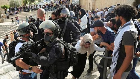 Kuva otettiin maanantaina Jerusalemin vanhassa kaupungissa, Damaskoksen portin edustalla.