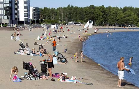 Tämän hetkisen ennusteen mukaan kesäksi on luvassa mukavia rantakelejä.