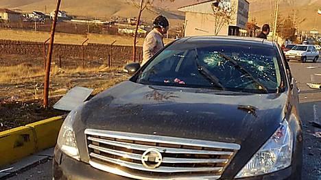 Iranin valtiontelevision julkaisema kuva murhapaikalta.