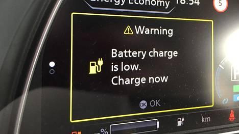Ajoakun riittävyyden kanssa kannattaa olla tarkkana, sillä erittäin hankala ajokeli voi pudottaa sähköauton luvatun toimintamatkan jopa puoleen. Tyypillisesti toimintamatkatiputus on kuitenkin IS:n ajokokeiden perusteella noin kolmasosan tasoa. mitää tukee myös If:n tilasto.