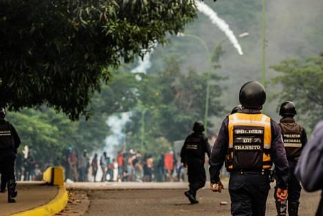 Poliisit ja mielenosoittajat ottivat yhteen Venezuelan Carabobossa heinäkuussa.