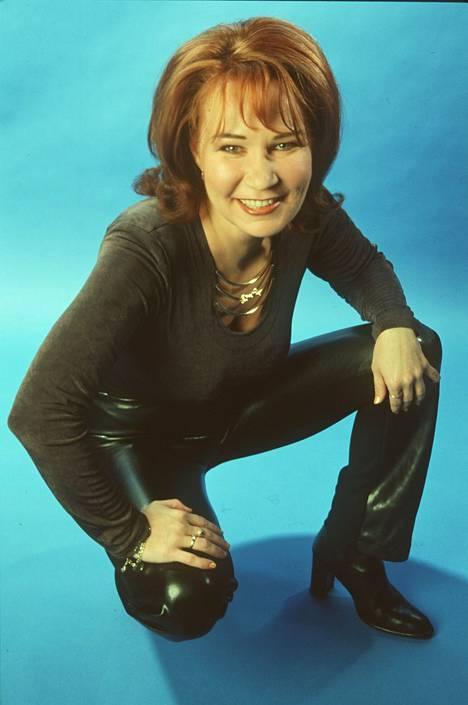 1998: Vicky Rosti perusti 1991 Menneisyyden vangit -yhtyeen Kari Kuivalaisen ja Freemanin kanssa. Keikkoja riitti koko vuosikymmenen ja niitä on edelleen.