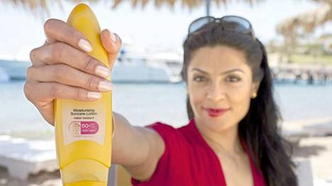 Plastiikkakirurgi Rozina Alilla on muutama tehovinkki ryppyjä kammoaville!