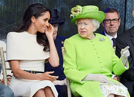 Kuvassa Meghan ja kuningatar Elisabet kesäkuussa 2018.