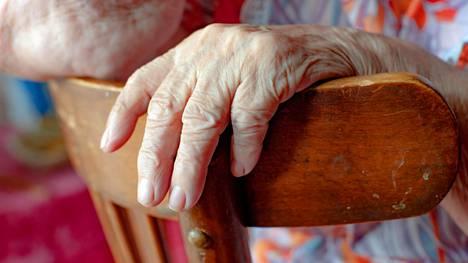 THL: Elintapojen muutos ehkäisee muistisairauksia ikääntyneillä