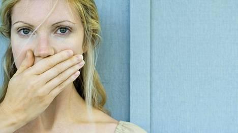 Monilla meillä on salaisuuksia, joita häpeämme. Kuvituskuva.