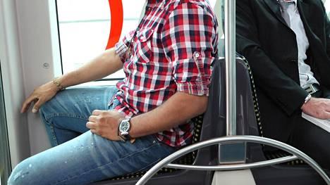 Vauva.fi-keskustelijat listasivat julkisen liikenteen rasittavimpia matkustajia.