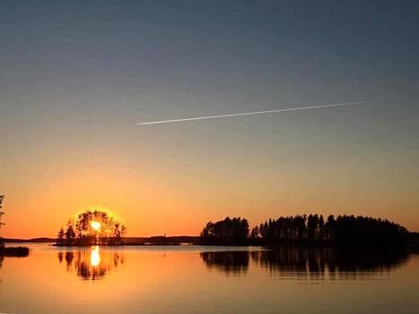 Auringonlasku Äitsaaressa Ruokolahdella