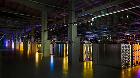 Googlen palvelinkeskus avattiin Haminaan 2009.