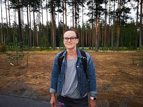 Mervi Hujala treenasi tiistaina sisätiloissa. Hän ei halunnut lähteä suosituille ulkoilureiteille, koska samoja metsiä pitkin karhu saapui Kalevankankaan koulun läheisyyteen.