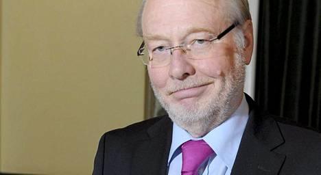 Maanpuolustuskorkeakoulun dosentti, eversti evp. Arto Nokkala.